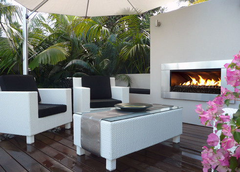 Escea EF5000 standard-size outdoor gas fireplace