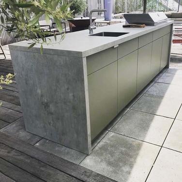 Beautiful Cubic island outdoor kitchen