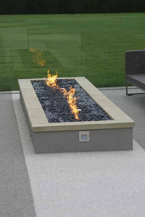 Bespoke gas firepit