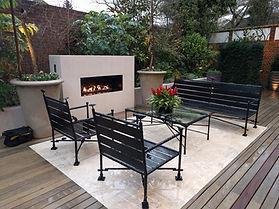Frameless outdoor gas fireplace