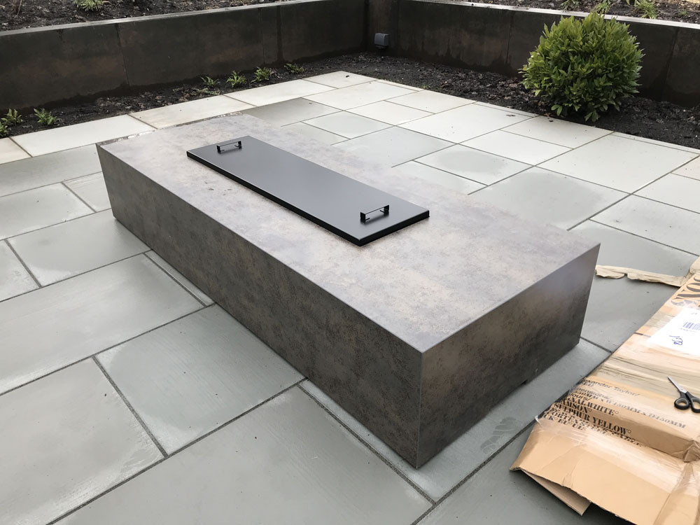 Photon firepit in Iron Moss porcelain
