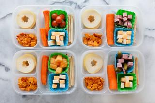 ¿Qué alimentos debe contener una lonchera escolar saludable?