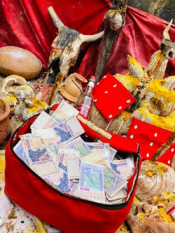 valise mystique multiplicateur de billets de banque.