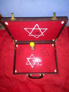 vrai valise magique d'argent du grand marabout béninois gonou