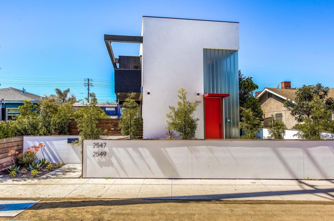 New Construction 2547 Walnut Ave. Venice 90291
