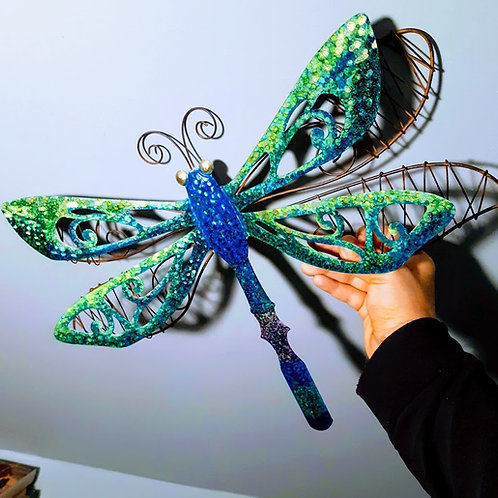 BEAUTIFUL HAND-PAINTED DRAGONFLY