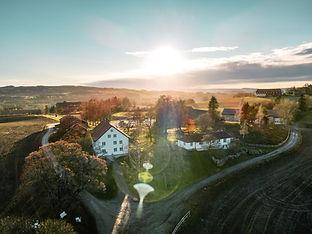 Kvarstad gård 3 red.jpg
