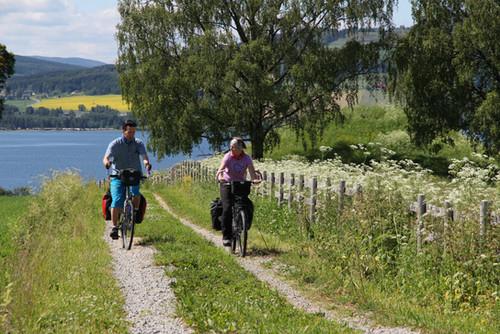 Sykling på Nes & Helgøya