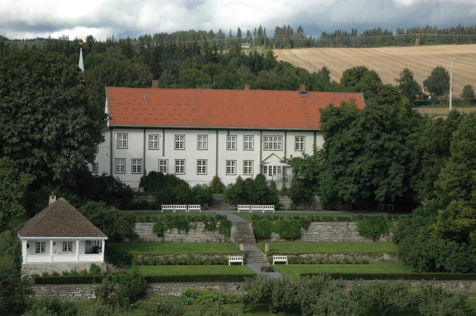 Hoel gård