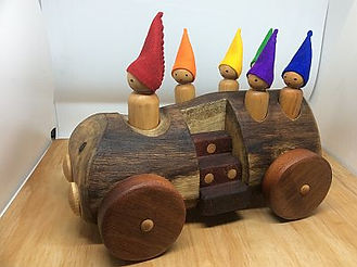 190613 gnomes bus.jpg