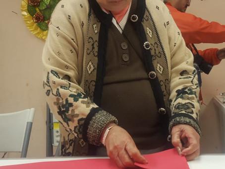 ADULTOS MAYORES ELABORAN PRODUCTOS PARA FIESTAS DECEMBRINAS Y TEMPORADA INVERNAL.