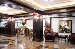 04-Lobby-Lounge