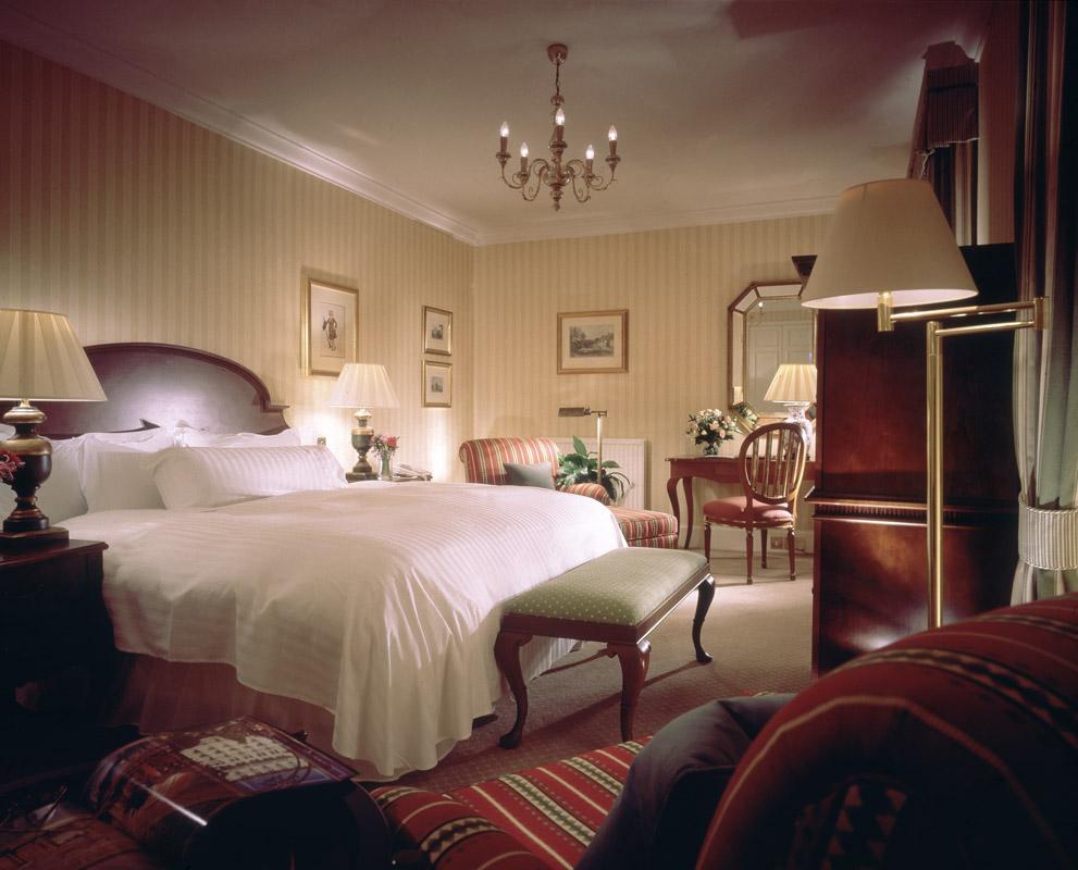 04-Classic-Guestroom