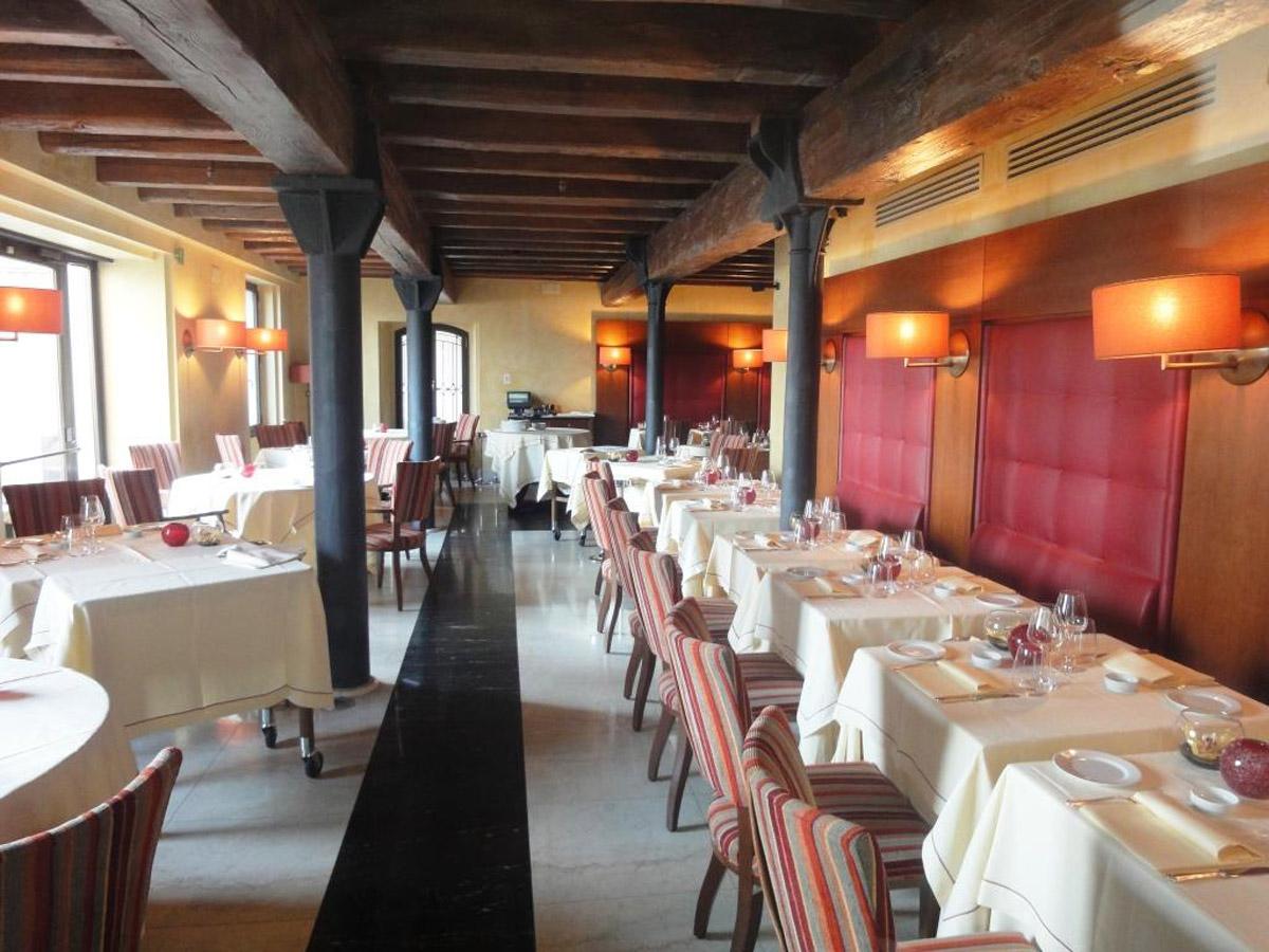 10-Aromi-Restaurant