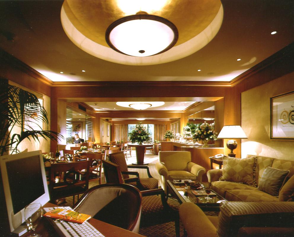04-Executive-Lounge
