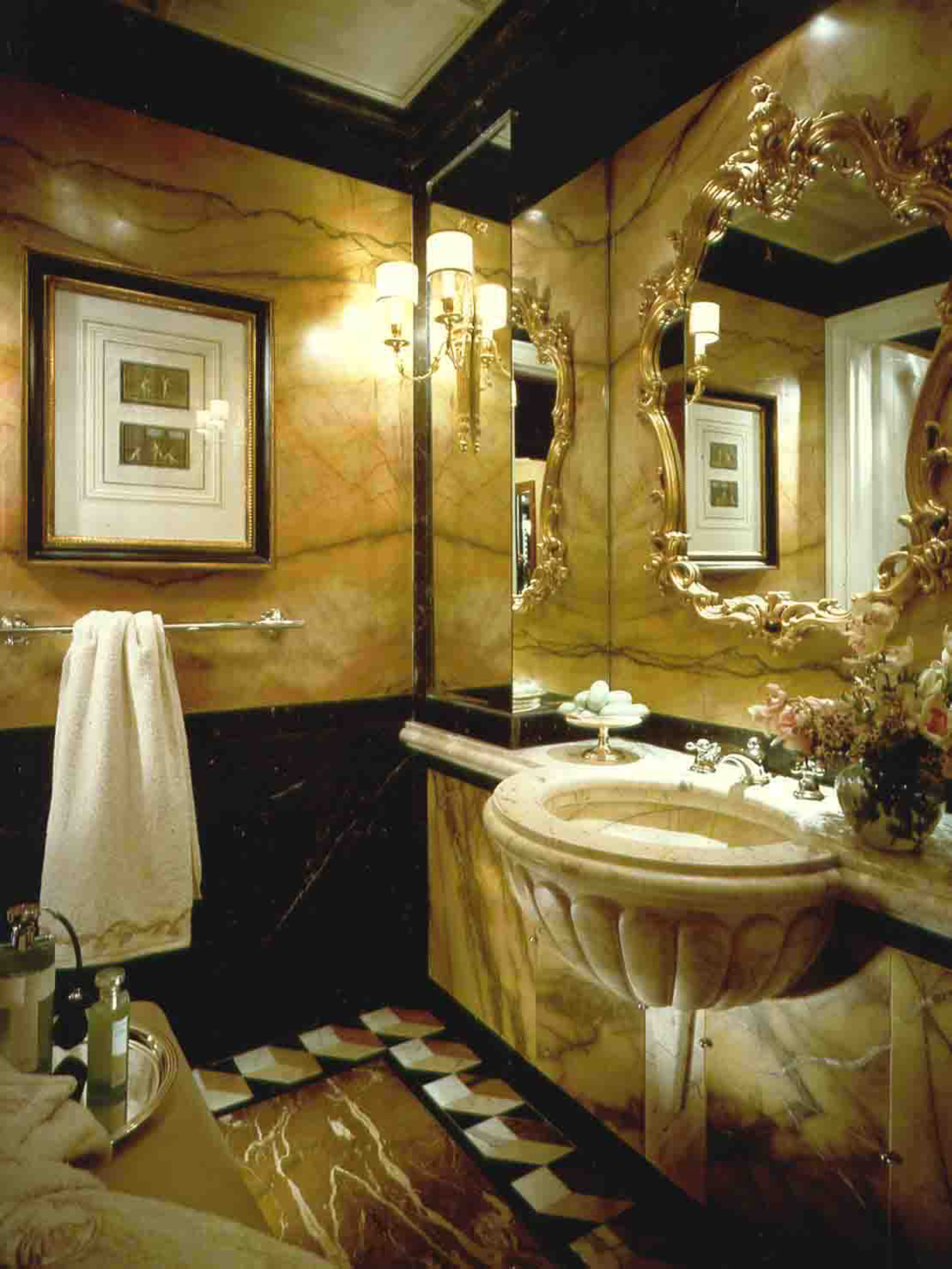 12. Villa la Cupola - powder room