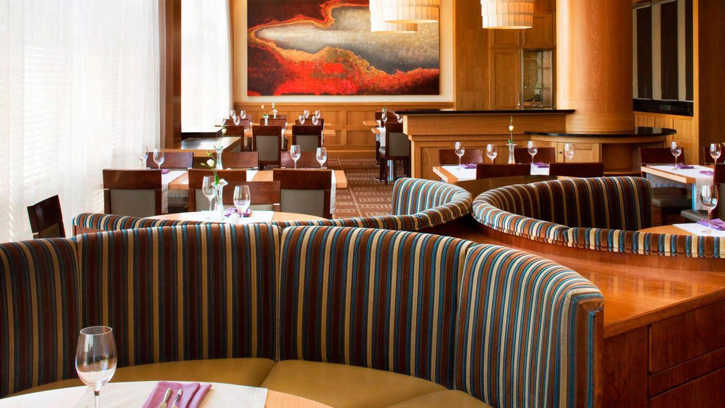 03.-Fusion-Restaurant---detail-