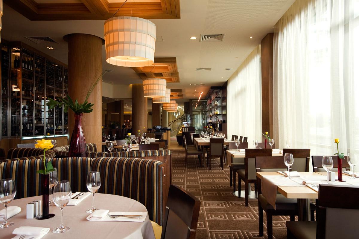 02.-Fusion-Restaurant