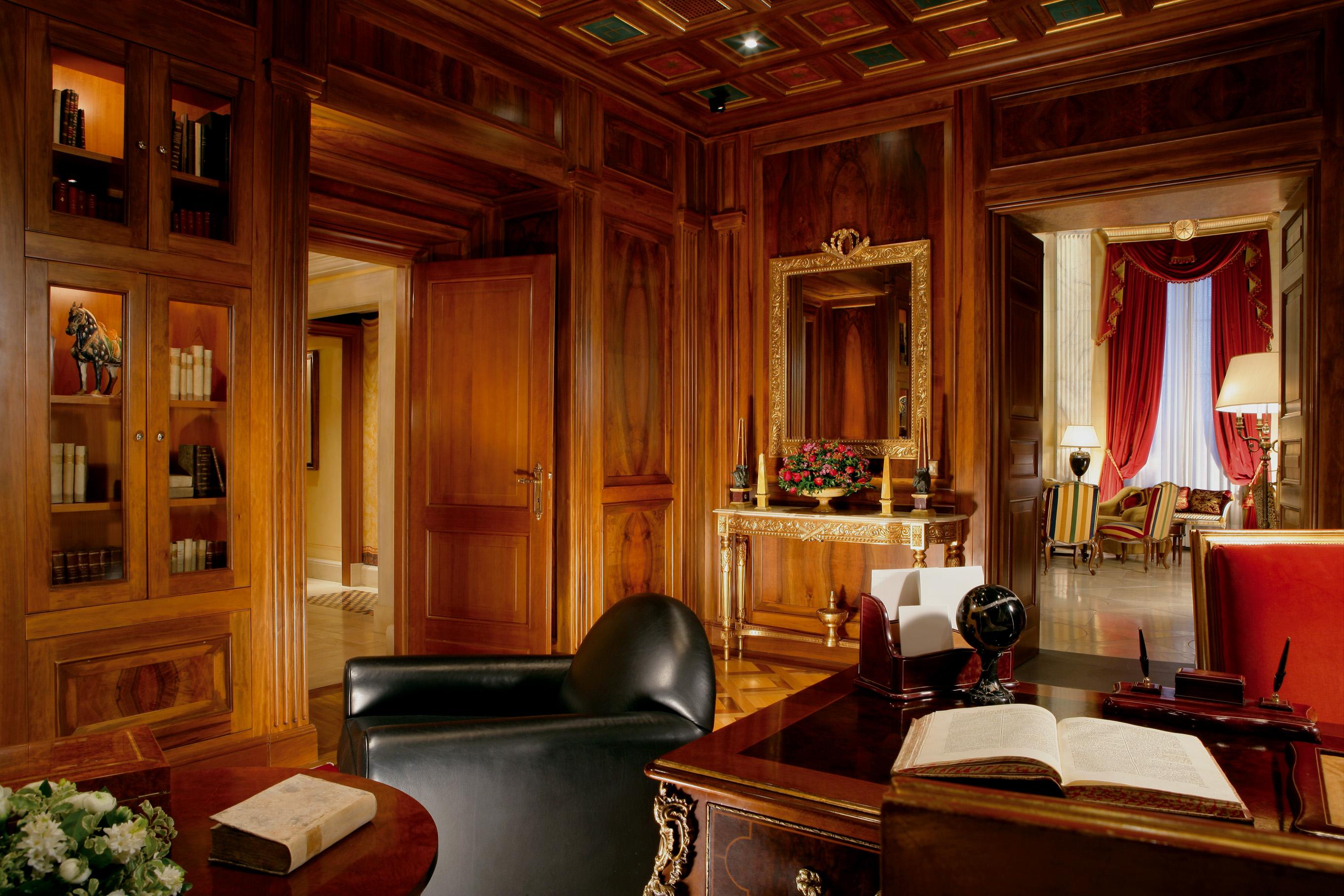 05. Villa la Cupola - library