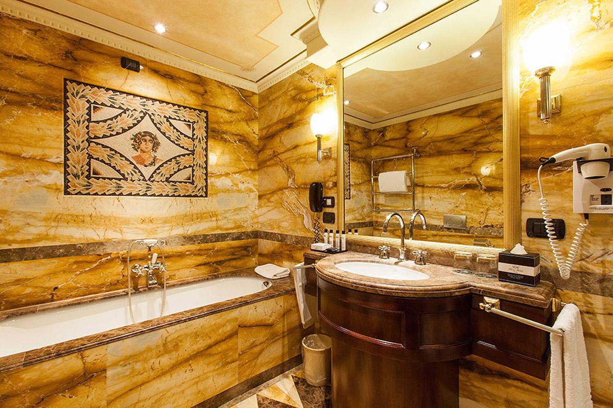 09-Deluxe-Guestroom---bathroom
