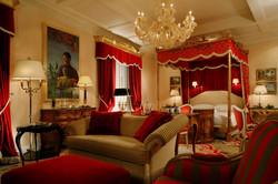 07. Villa la Cupola - master bedroom