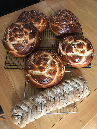 challah_and_rye_bread