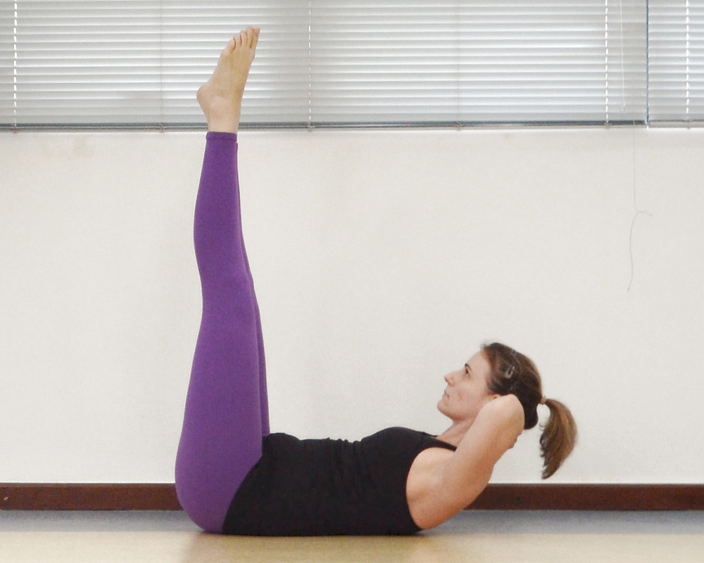 double straight leg stretch espaço fluir