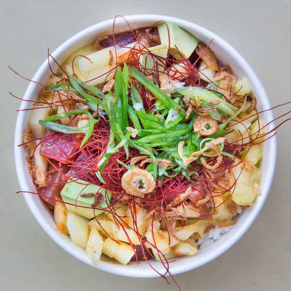 Chili Pineapple Tuna Omakase Bowl