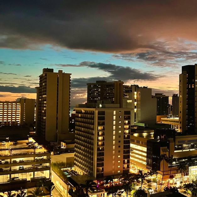 Honolulu night.png