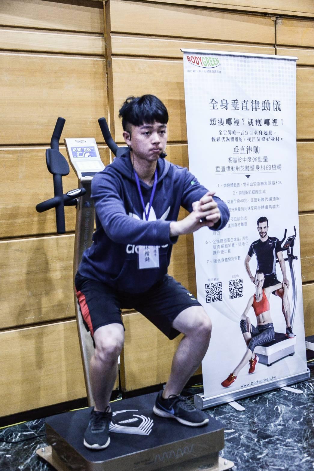 接受測試的棒球選手林楷錡 張劭安/攝影