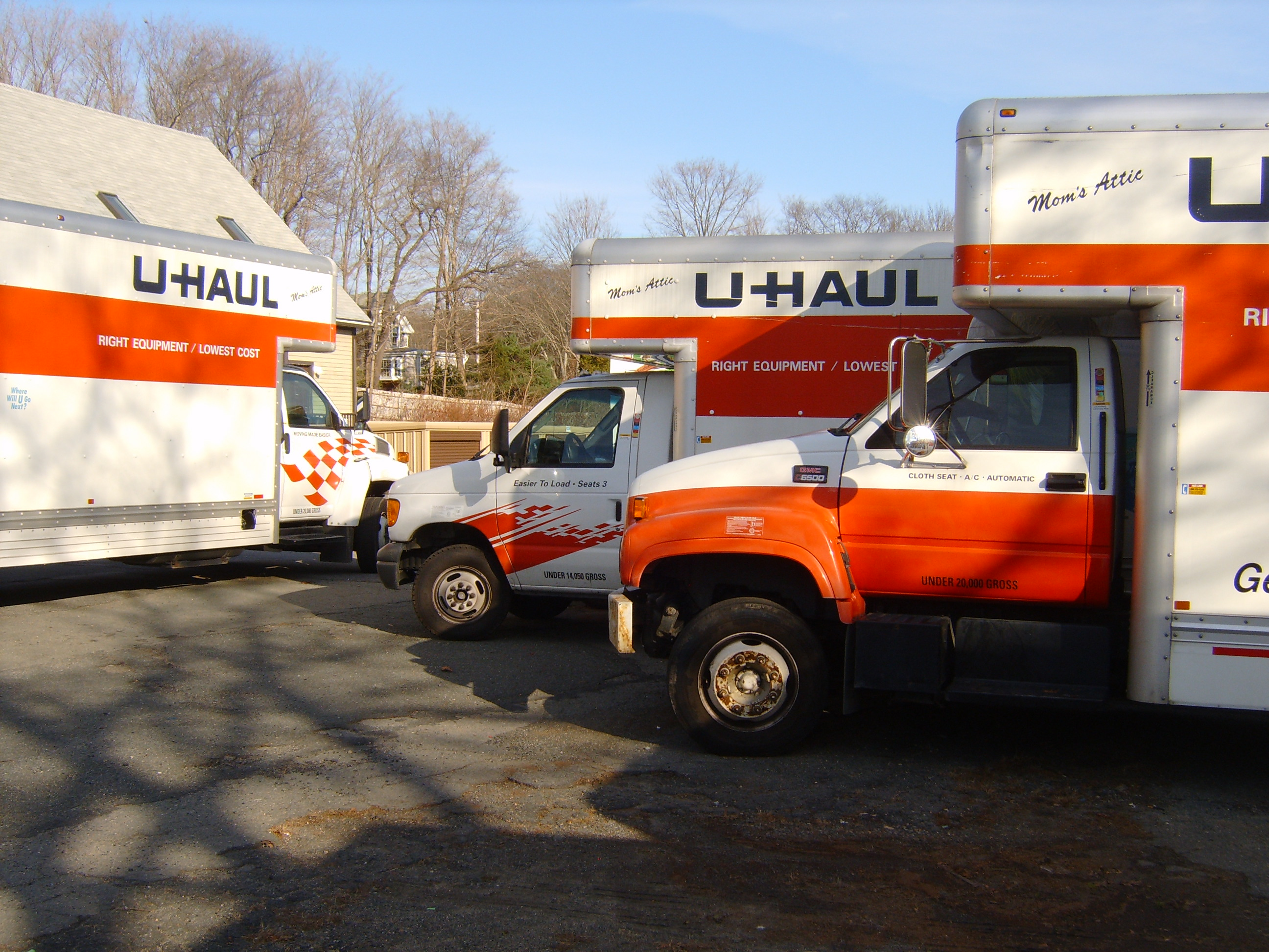 Full-service U-Haul facility