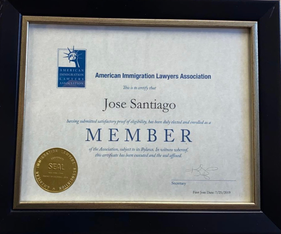 Miembro de la American Immiration Lawyers Association