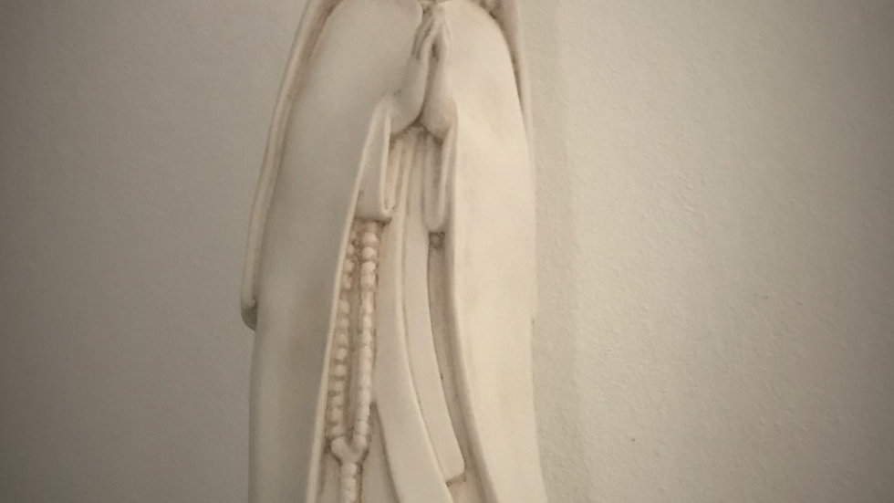 Mother Mary Statue - Praying with Holy Rosary