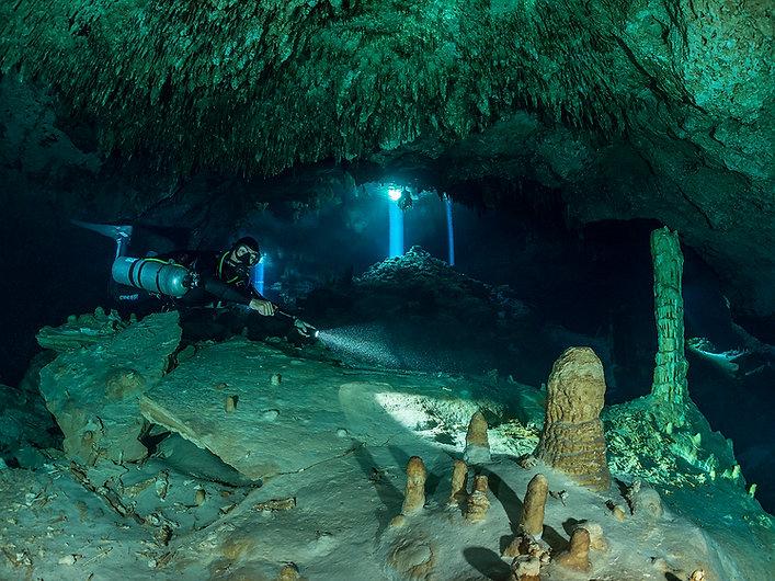 Dive cenotes Playa del Carmen Mexico, Mayan Riviera