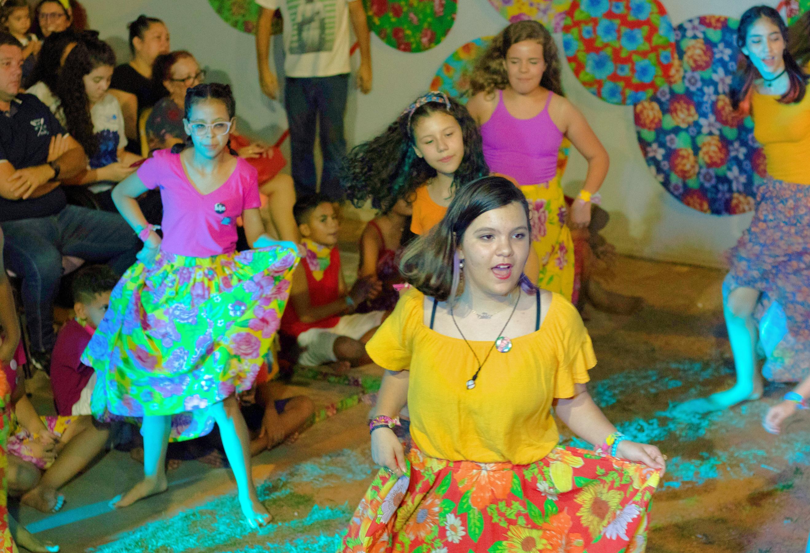 FESTIVAL BRINCATURAS E TEATRICES
