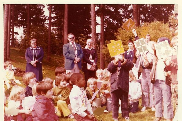 Arbor day 1977,l-Mildred Schwab,unk m,Ji