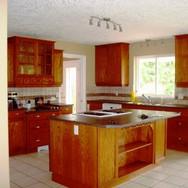 Custom Kitchen (22.5ft x 15ft)