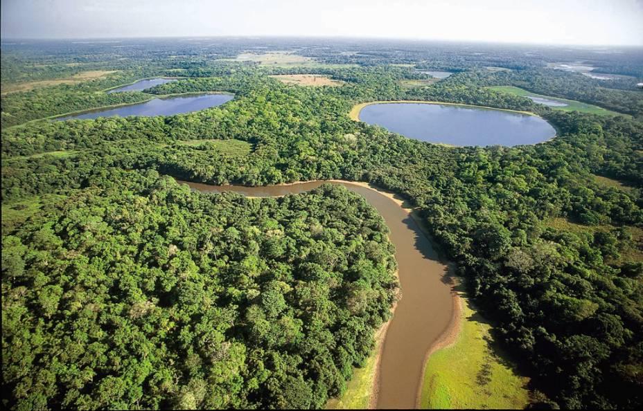 O Pantanal marca forte presença em regiões dos Estados do Mato Grosso e no Mato Grosso do Sul. Considerado a maior planície alagável do mundo, tem cerca de 250 espécies de peixes, 80 de mamíferos, 50 de répteis e mais de 650 de aves. Por aqui, vale esquecer o medo e explorar o lugar como um verdadeiro peão!  (Rico)