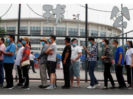 Số ca nhiễm Covid-19 từ chợ đầu mối ở Bắc Kinh tăng lên 137 ca