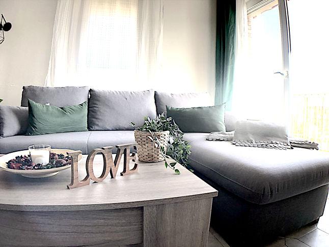 06 sofa.jpg