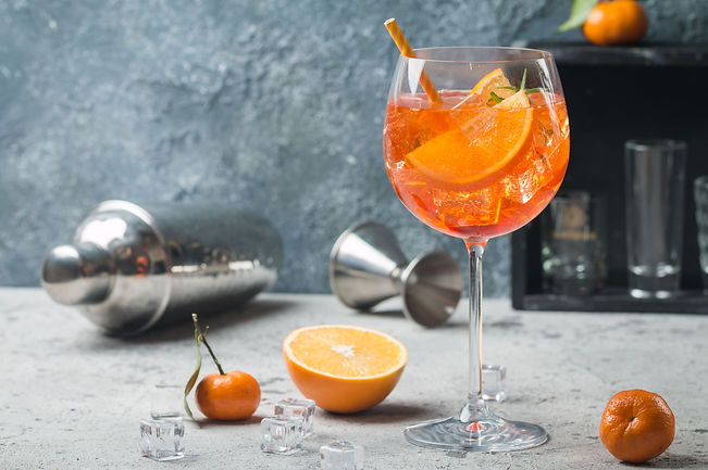 aperol-spritz-cocktail-royalty-free-imag