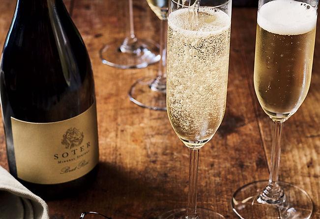 oregon-sparkling-wines-XL-MAG1218.jpg