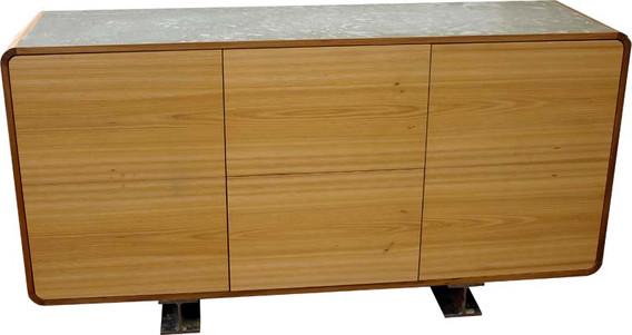 Sideboard in Beton/ Rüster