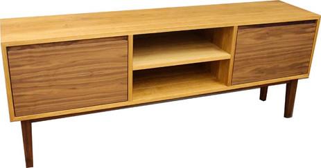 Sideboard in Eiche/Nussbaum
