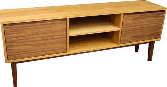 Sideboard in Eiche/ Nussbaum
