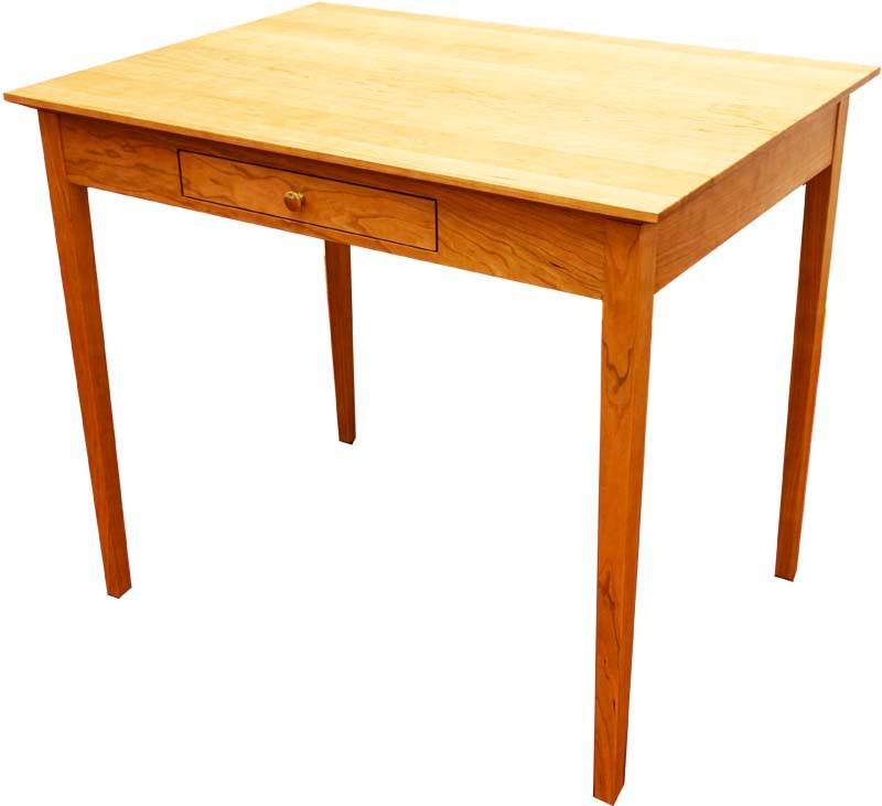 Tisch in Kirschbaum