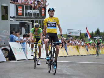 Froome wins first duel against Contador
