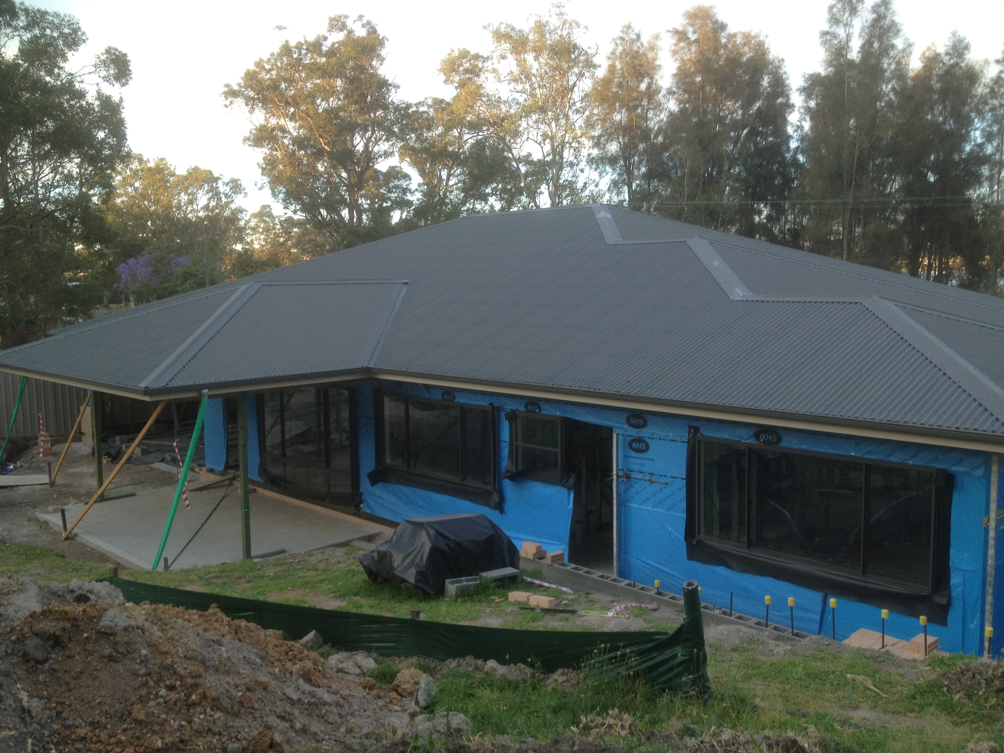 Low maintenance brick construction
