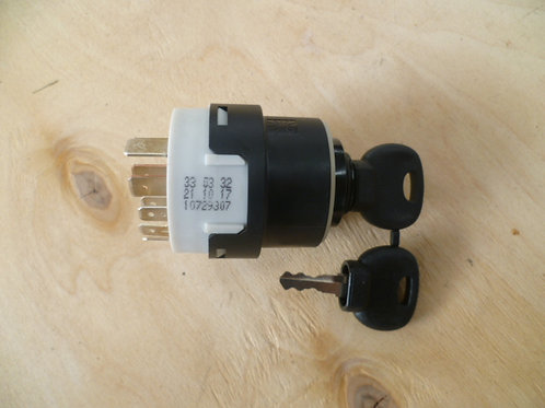 EN8618 Ignition switch with key