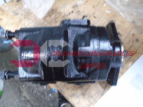 15560130 (015560130) HYDRAULIC TANDEM MOTOR | TEREX POWERSCREEN